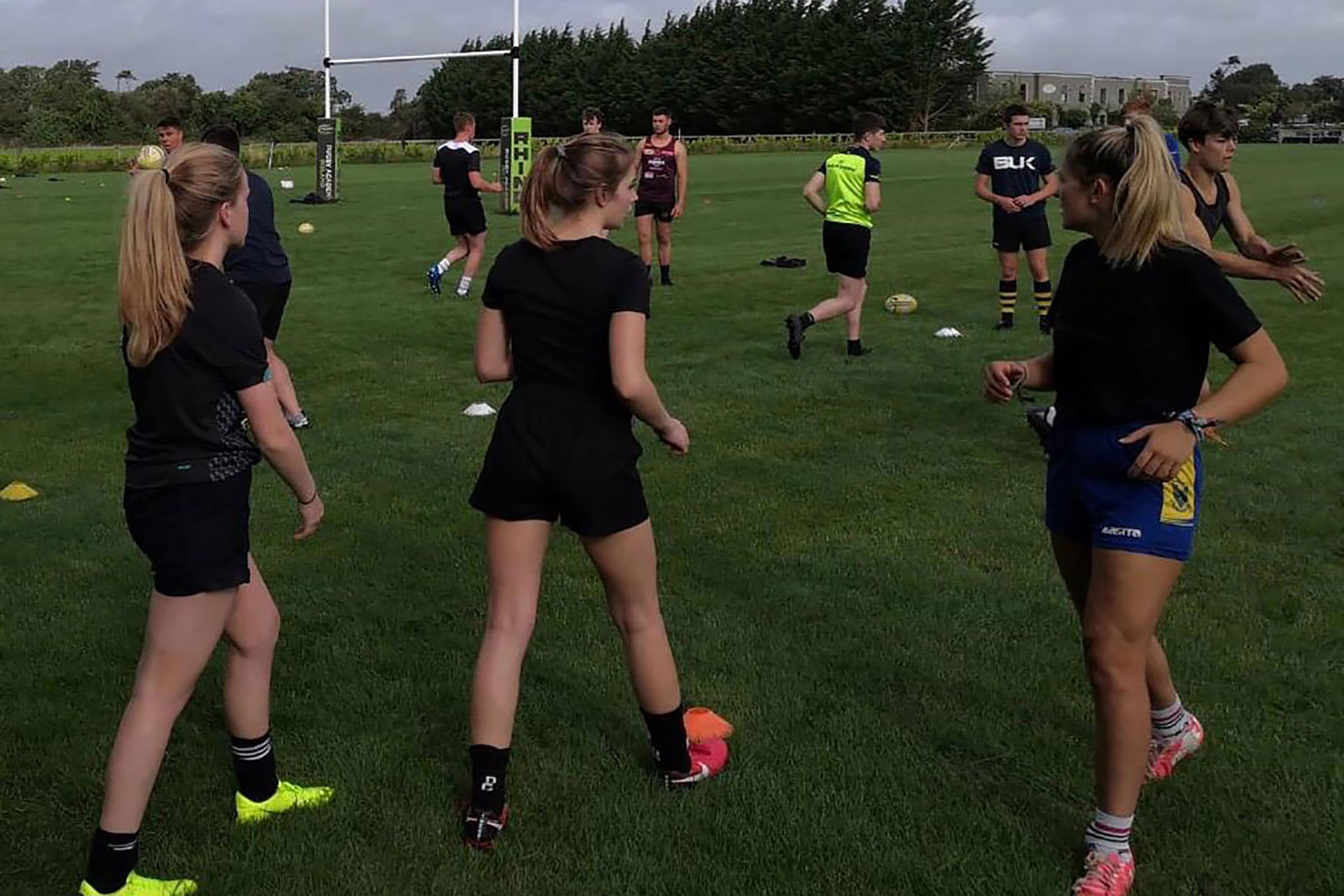 Female rugby players at the Rugby Academy Ireland